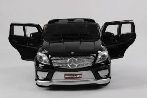 Mercedes-ML63-black-vista-frontal-open-doors