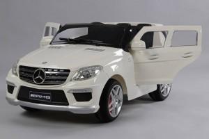 Mercedes-ML63-white-vista-trasera
