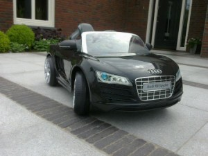 VENTA_coche_infantil_ELECTRICO_Audi_R8_12V-002MF