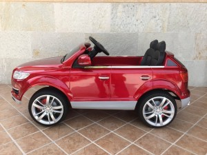 COCHE-INFANTIL-ELECTRICO-Audi-Q7-12V-red-painted-vista-lateral